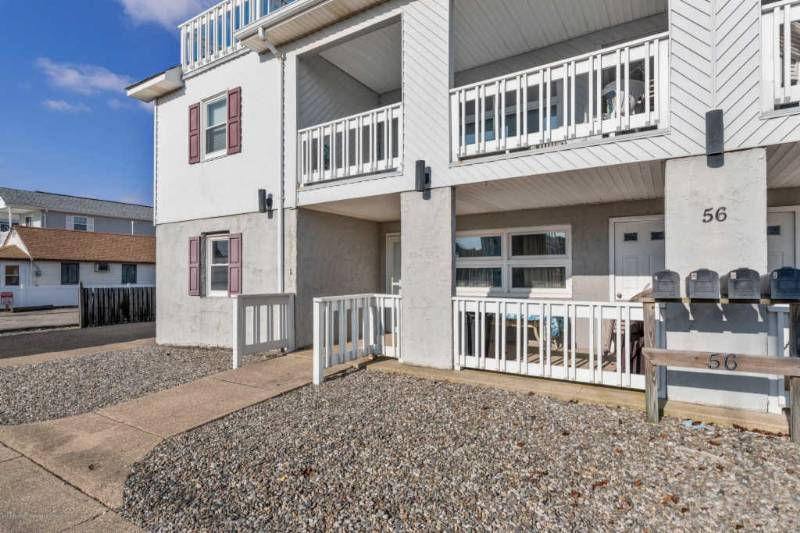 Family vacation in Seaside Park, 3 bed/1 bath/1 block to beach