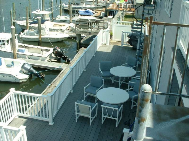 Beautiful Bay Front Condo with Boat Slip