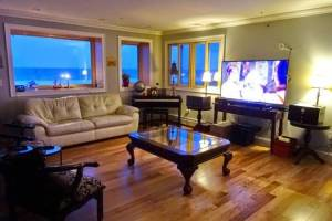 Special Offer for February! Luxury Beachfront Home - Ferry to NYC