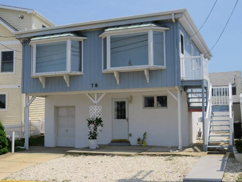 Pt Pleasant Beach Family Friendly NJ Shore Beach House -Clean,Steps to Beach,2BR