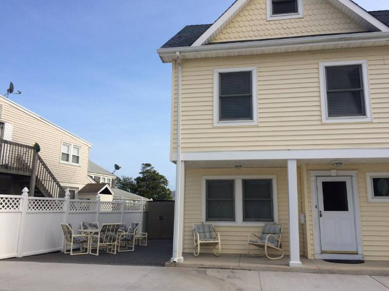 Pt Pleasant Beach Perfect Family Vacation Rental - New, Clean, 1 Block to Beach,