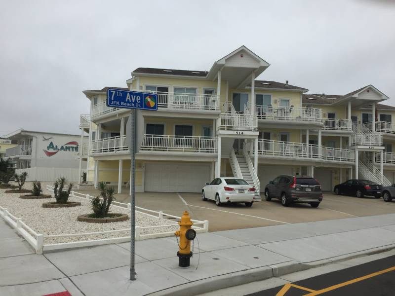 North Wildwood 3 BR Beachfront Condo