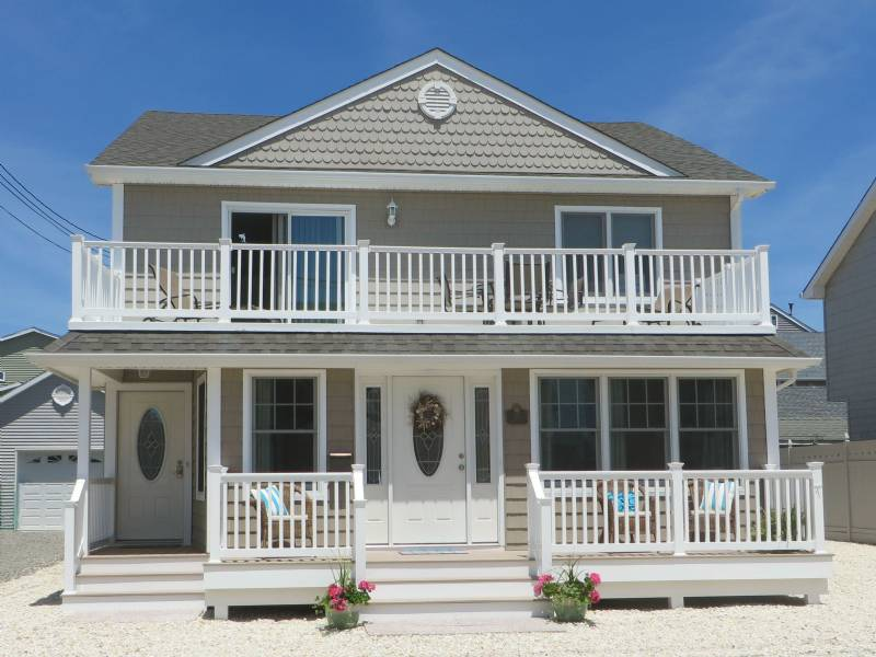 Lavallette Ocean Block, 8 Houses to the Beach, Summer Rental