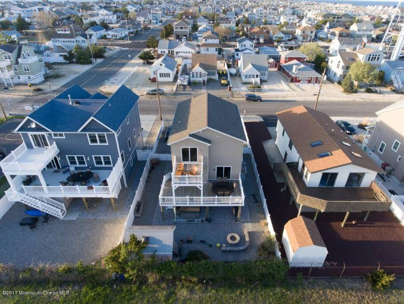 Astounding The 131 Beach House Jersey Shore Vacation Rentals Home Remodeling Inspirations Cosmcuboardxyz